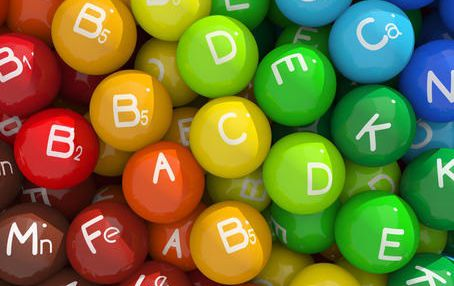Как правильно выбрать витамины женщине?