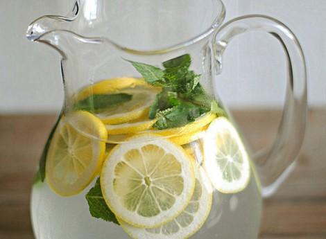 опохмеляться лучше водой