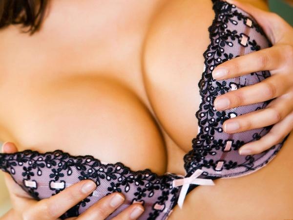 идеальная-грудь-бархатная-кожа