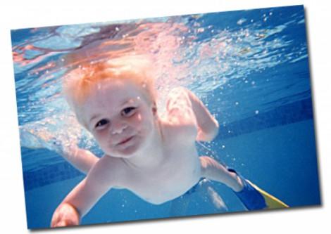 дети, которые умеют плавать, развиваются быстрее сверстников